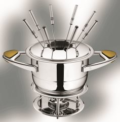 With Zepter Fondue set you can prepare various kinds of fondue as you wish: cheese, chocolate, meat