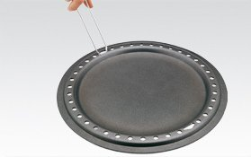 The non-stick lining of the ultra-hard titanium oxide base will last up to 40 times longer than traditional non-stick linings.